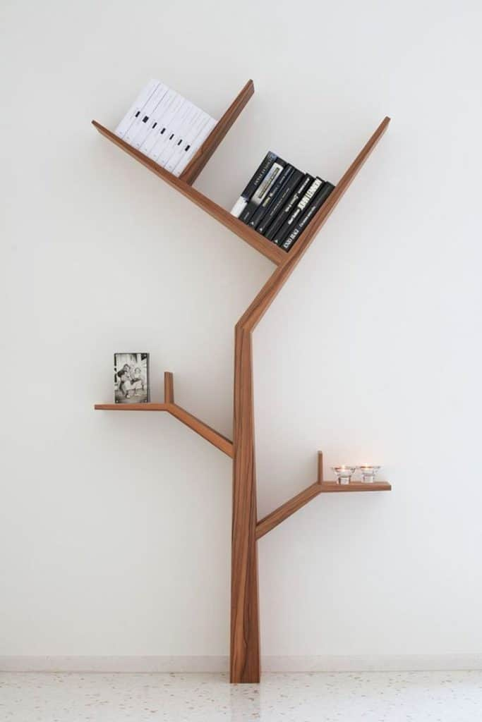 Form of bookshelf has function of carrying books