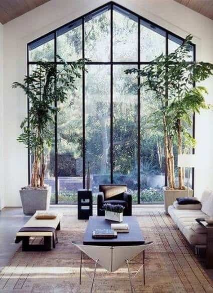 Horizontal and vertical lines in interior