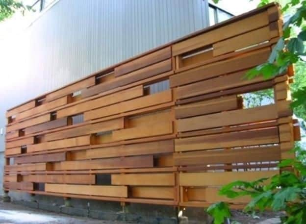 7 Best Fencing Materials : 1. Wood fence