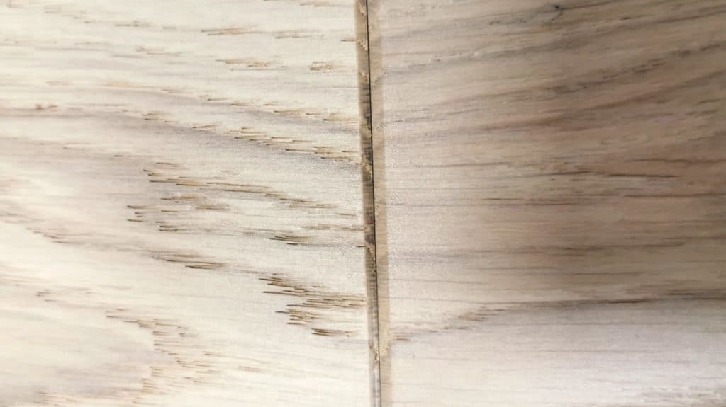 Engineered hardwood floors - Micro-Bevel  (close-up)