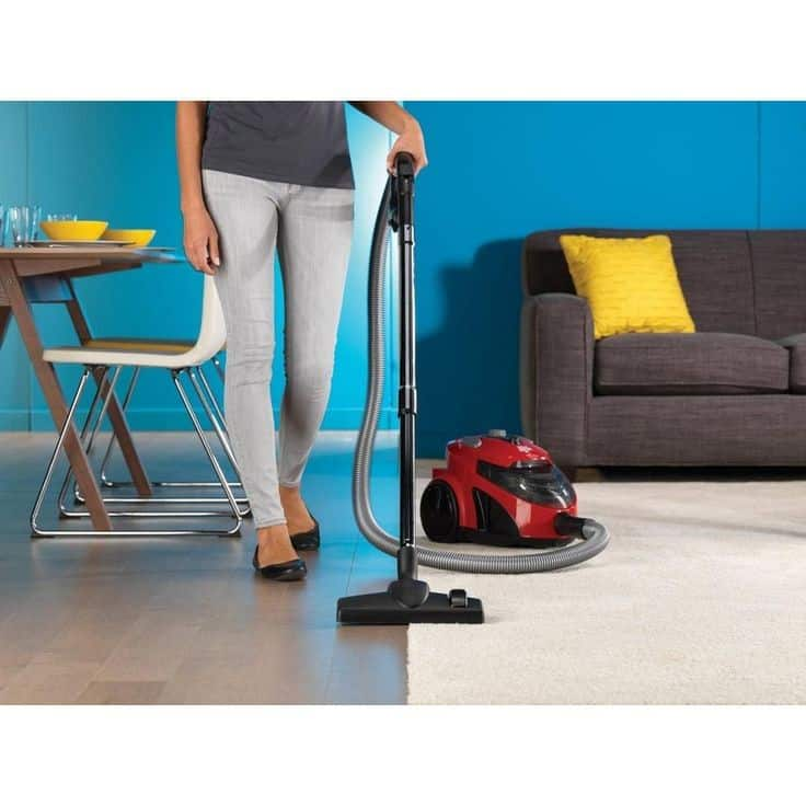How to clean an Area Rug on Hardwood Floors - vacuuming