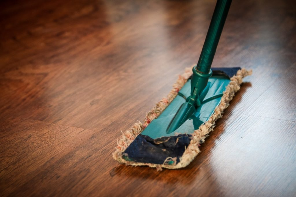 How do you use a wet and dry mop?