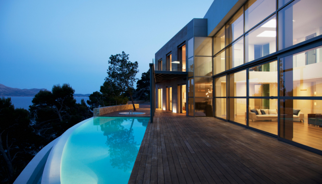 Pay attention to view when designing modern house with swimming pool