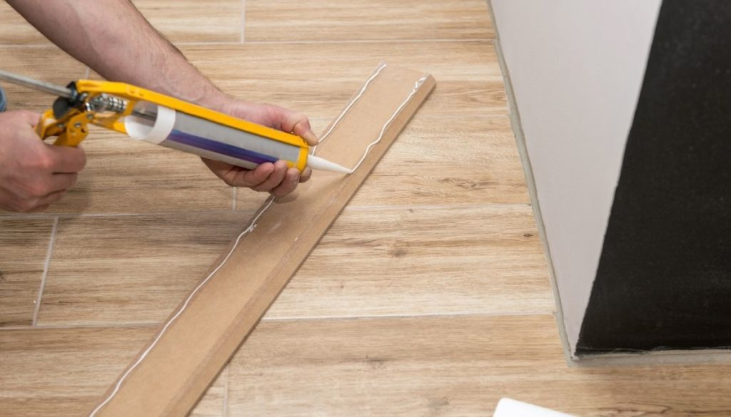 How to Remove Silicon Caulk from Laminate Floor?